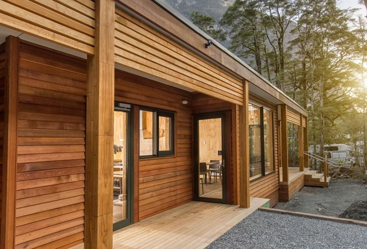 The facilities at Milford Sound Lodge; guest kitchen and sitting room near the Campervan Park.